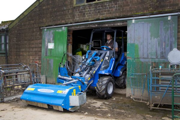Multione 8 Series Mini Loader - High Power Performance